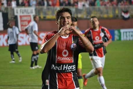 <p>Com gol de Arthur Maia, Joinville venceu o Bragantino</p>