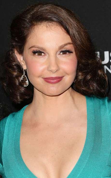 """<p><strong>Ashley Judd</strong><br />Após comentários sobre sua """"cara inchada""""em março de 2012, a atriz criticou a mídia por fazer do corpo feminino """"uma fonte de especulações e ridículo, como se ele pertencesse aos outros""""</p>"""