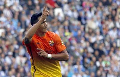 Alexis Sánchez fez um belo gol na vitória do Barcelona