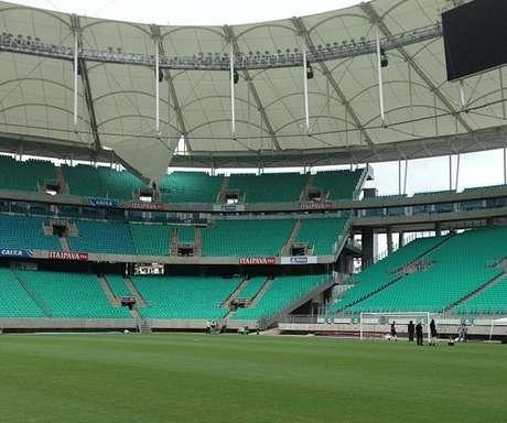 <p>Ex-pugilista Popó postou em seu Instagram imagens dos danos causados na cobertura do estádio</p>