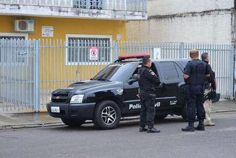 Policiais foram até o local do crime na manhã desta terça-feira