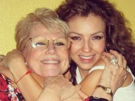 FOTO: Thalía recuerda a su madre, a dos años de su muerte