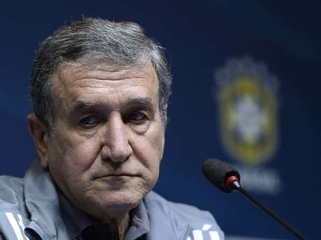 <p>Parreira diz que Seleção Brasileira não tem medo dos atuais campeões do mundo</p>
