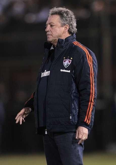 <p>Rodrigo Caetano elogia treinador ''correto'' e diz: ''não tomaria decisões sem comunicar ao clube''</p>