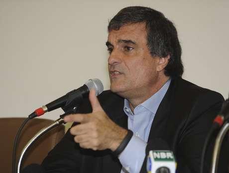 O ministro da Justiça, José Eduardo Cardozo, dá entrevista e pede rigor à PF nas investigações