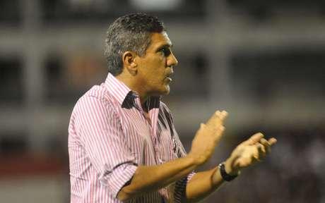 Silas não conseguiu evitar a segunda derrota do Náutico em duas rodadas de Campeonato Brasileiro