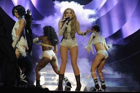 <p>Reconocida por su papel en la serie de Disney Channel, Hannah Montana, Miley Cyrus saltó a la fama en 2006 para darle paso a una carrera exitosa como actriz y cantante.</p>