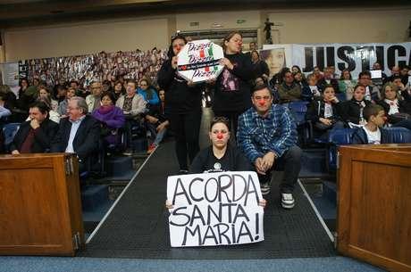 Manifestantes lotaram galerias da Câmara de Vereadores de Santa Maria