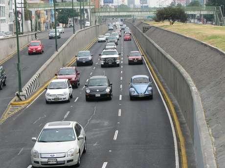 La medida sería para frenar el crecimiento del parque vehicular, que actualmente es de 5 millones 25 mil en el Valle de México.