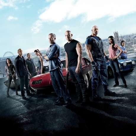 Cartaz do sexto longa-metragem da franquia estrelada por Vin Diesel e Dwayne Johnson