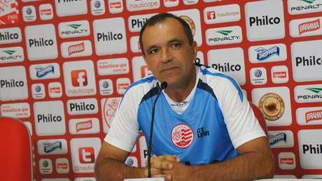 <p>Depois da saída de Silas, Levi Gomes assumiu interinamente e conseguiu única vitória do Náutico diante do Flamengo</p>