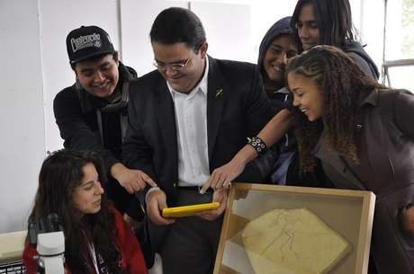 <p>Apesar das dificuldades de infraestrutura os alunos gostaram da nova tecnologia em sala de aula</p>