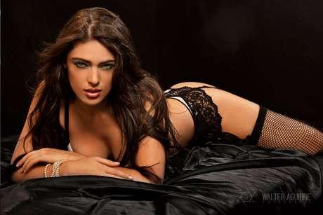 Las autoridades revelaron que en el momento de su captura, alias El Indio llegaba a la capital de Brasil procedente de España, en compañía de su novia, una modelo antioqueña, identificada como Sara Builes.