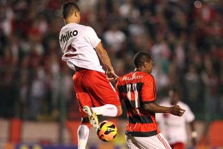 <p>Renato Abreu deixou Flamengo em junho</p>