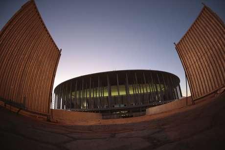 <p>Cerca de 80 deputados já teriam pedido ingressos para acompanhar Brasil x Japão em Brasília</p>