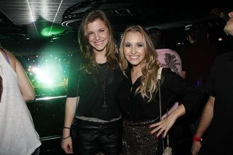 <p>As atrizes Carla Diaz e Alice Wegmann, que vive Lia na atual temporada de Malhação, também estiveram lá</p>