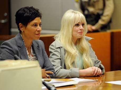 Shawn Holley ao lado da cliente, a atriz que frequenta constantemente em tribunais nos EUA
