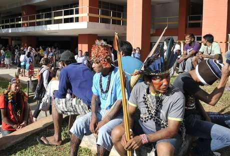 Índios mundurukus estão acampados na sede da Fundação Nacional do Índio (Funai) e reivindicam consulta prévia antes da construção de usinas hidrelétricas na região amazônica