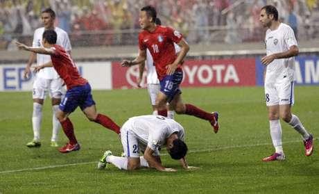 <p>Único gol do duelo foi contra, feito pelo defensor uzebequeAkmat Shorakhmedov</p>