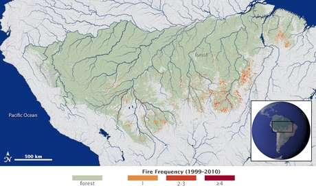 <p>Pesquisadores mapearam pela primeira vez a frequência e extensão de incêndios ao longo de 3 milhões de quilômetros quadrados na região amazônica; imagem divulgada pela Nasa mostra frequência das chamas</p>