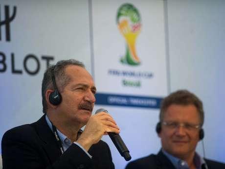 <p>Aldo Rebelo afirmou que arenas da Copa de 2014 ter&atilde;o cintur&otilde;es de isolamento</p>
