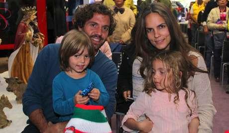 <p>Lucas Jaramillo, Catalina Aristizábal y sus dos hijos Emiliano y Oriana.</p>