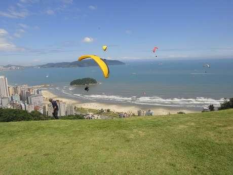 <p>Paulo saltou do Morro da Asa Delta, em São Vicente</p>