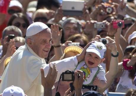 <p>Papa Francisco gosta de futebol e prometeu rezar pelo time mineiro</p>
