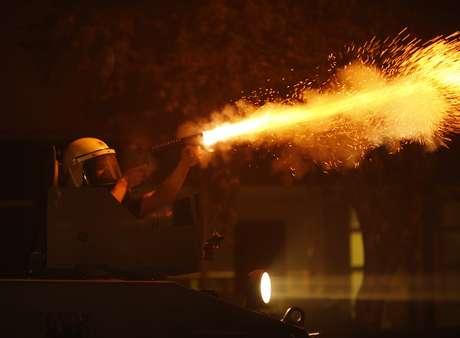 <p>Polícia lança bombas de gás lacrimogêneo no centro de Ancara</p>