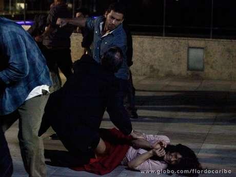 <p>Cassiano salva Cristal das garras de Gonzalo e quase beija a caribenha</p>