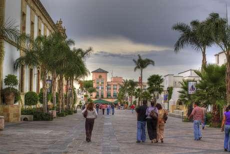 A melhor maneira de chegar a Aguascalientes é desembarcar primeiro na Cidade do México, e depois pegar outro voo para a cidade