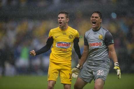 Miguel Layún y Moisés Muñoz encabezan la lista de seleccionados del Tri para la Copa Oro 2013.