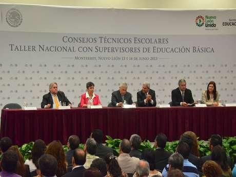 <p>El Secretario de Educación Pública, Emilio Chuayffet Chemor, anunció desde Nuevo León el inicio de una nueva etapa en la Política Educativa de México.</p>
