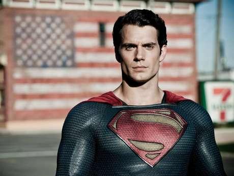 <p>Henry Cavill se convertirá en el primer actor no estadounidense en darle vida a Superman. Este es su primer gran papel en Hollywood luego de darse a conocer en cintas como 'Inmortals', 'Red Riding Hood' y 'Stardust'. Su interpretación promete darle un nuevo alcance al gran superhéroe.</p>