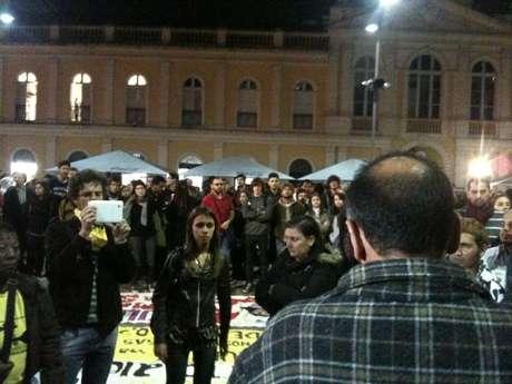 População de Porto Alegre voltou às ruas para fazer protesto