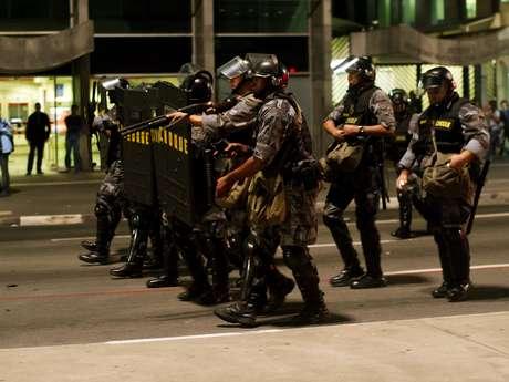 <p>Manifestantes denunciaram uso de força excessiva por parte de policiais militares</p>