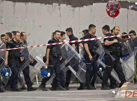 Policiais expulsaram os manifestantes do parque neste sábado