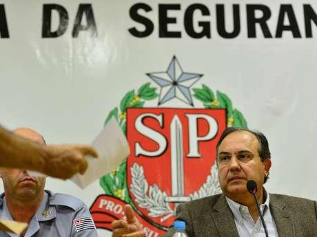 Associação entrega carta ao secretário de Segurança de São Paulo, Fernando Grella, cobrando a apuração de excessos na ação policial
