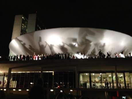 <p>No dia 17 de junho, manifestantes subiram a rampa do Congresso e invadiram a área em Brasília</p>