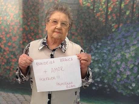 Palmirinha postou foto pedindo paz em protestos