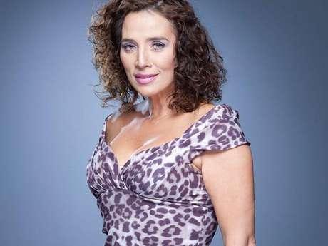 """<p>""""Se la llevé una vez personalmente a conocer a Luis Fernando Rebellón. Ellos cenaron, pero como suele suceder en estos casos, unono sabe en qué terminan esas noches de fiesta y rumba con estos 'narcos'. Para esa época, Luly venía en descenso de su importante carrera como actriz, venía camino al buen retiro, corría el año 98-99"""", escribió Madame Rochy en su libro sobre Luly Bossa.</p>"""