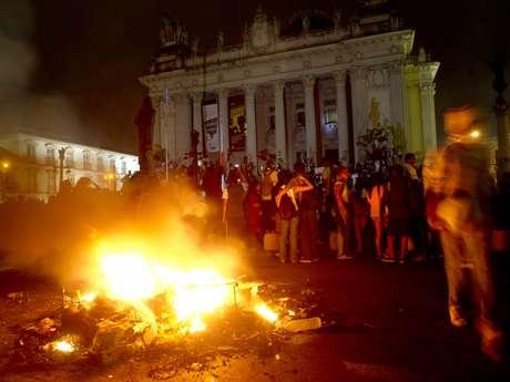 <p>O grupo tentou invadir a Assembleia Legislativa do Rio de Janeiro (Alerj), mas a Tropa de Choque chegou lançando bombas de gás lacrimogêneo</p>