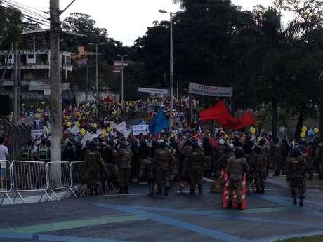 <p>A Tropade Choque foi acionada para tentar controlar os protestos em Belo Horizonte</p>