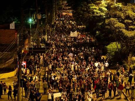 <p>A multidão que encarou o trajeto Largo da Batata, Ponte Octávio Frias de Oliveira e avenida Paulista permaneceu pacífica e multi-temática</p>