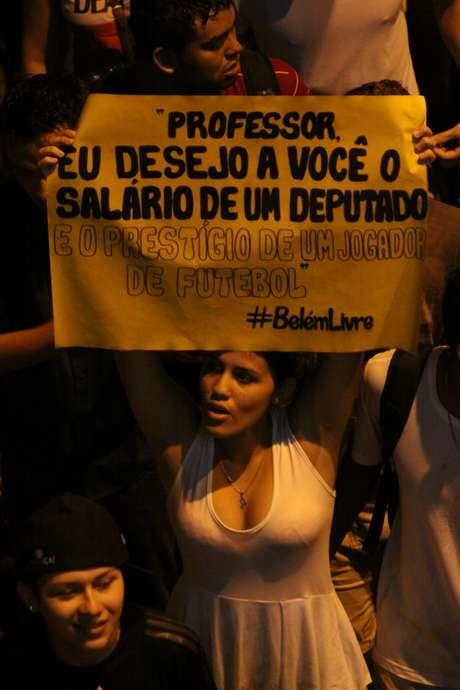 <p>Durante a manifestação, cada grupo escolheu o motivo do seu protesto</p>