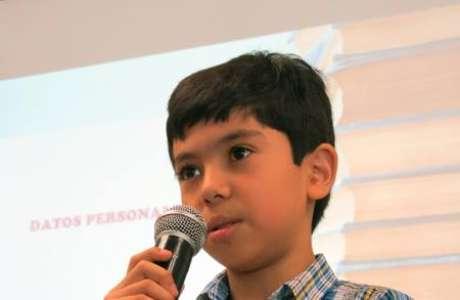 Originario del municipio de Zamora, el menor de 11 años de edad impartió una conferencia a estudiantes sobre la utilización responsable de las redes sociales y la tecnología