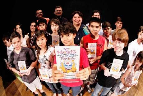 O Salãozinho de Humor de Piracicaba estimula alunos a aprender com humor gráfico