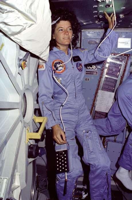 Sally K. Ride foi a primeira astronauta americana a participar de uma missão espacial, em 1983