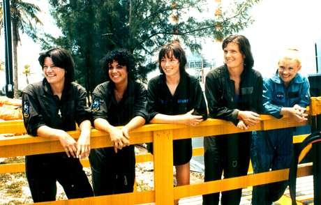 Na imagem, as primeiras astronautas americanas (a partir da esquerda): Sally Ride, Judith Resnik, Anna Fisher, Kathryn Sullivan, Rhea Seddon