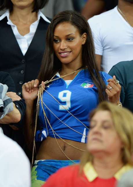87ff26717 <p>Fanny Neguesha, modelo belga e namorada do atacante italiano Mario  Balotelli,